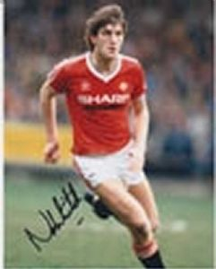 Norman Whiteside, Football, Genuine Signed Autograph